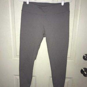 Fabletics gray cropped legging